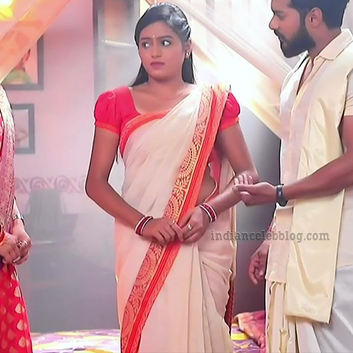 Deepika aradhya kannada TV actress Bili Hendthi S1 1 Saree photo