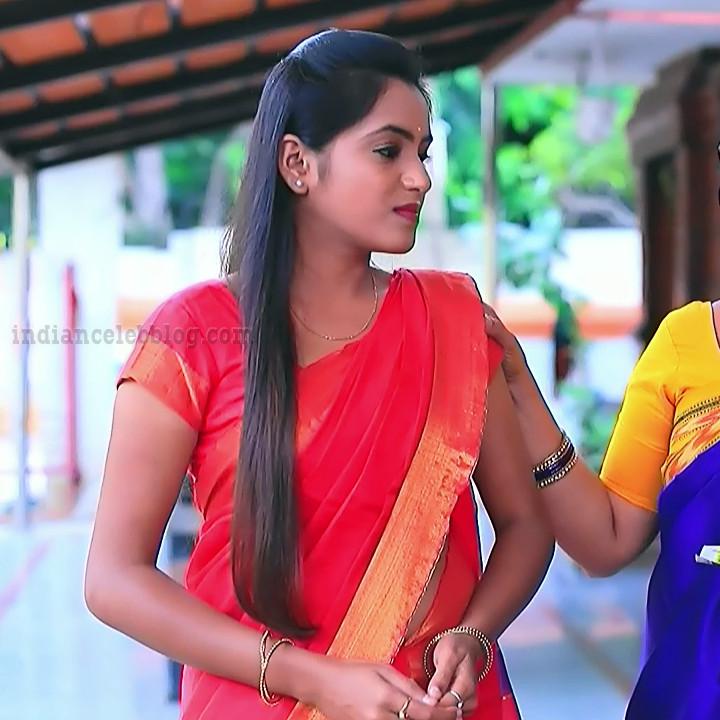 Deepika aradhya kannada TV actress Bili Hendthi S1 8 Sari photo