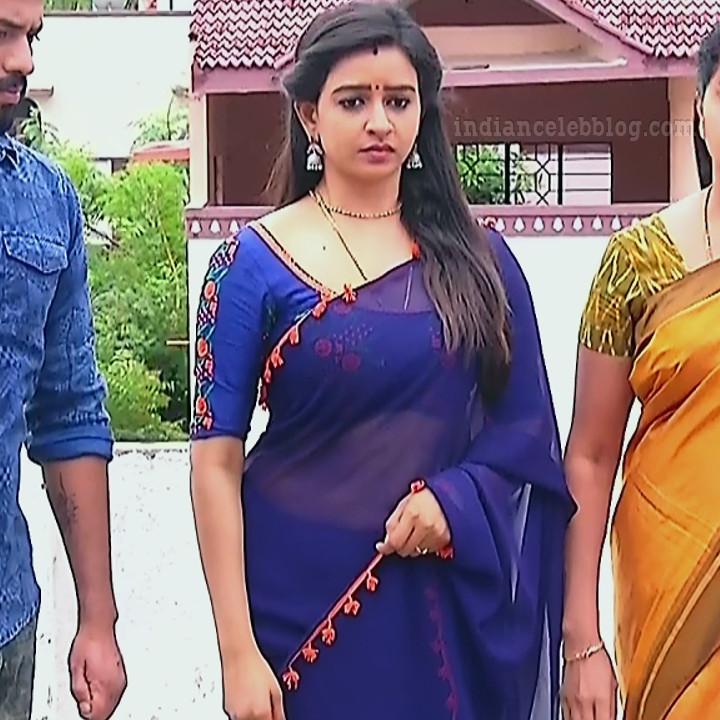 Divya ganesh tamil tv actress sumangali S5 7 sari photo