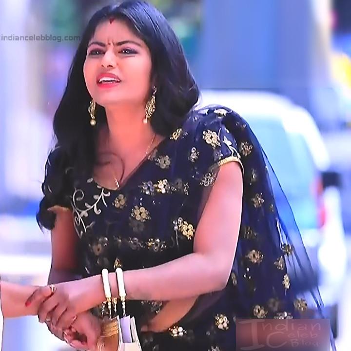 Kannada TV actress Kinnari Aishwarya S1 17 saree photo