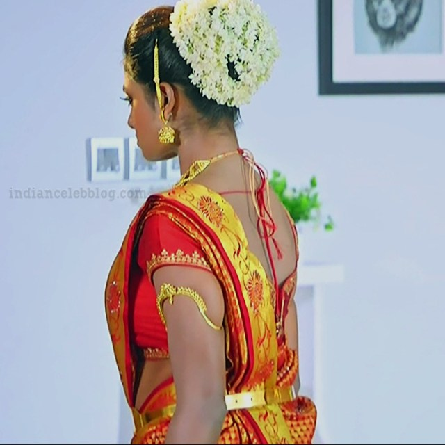 Nakshatra Srinivas Tamil TV serial Maya S1 14 Saree photo