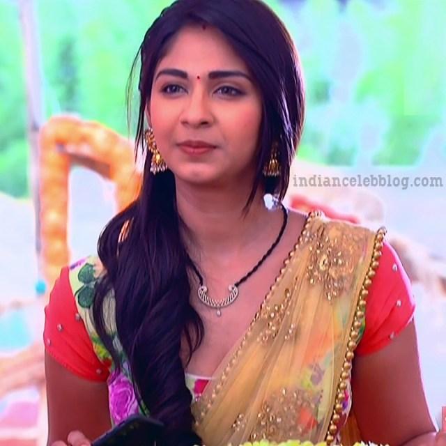 Vidhi pandya hindi tv actress udaan S4 5 hot sari photo