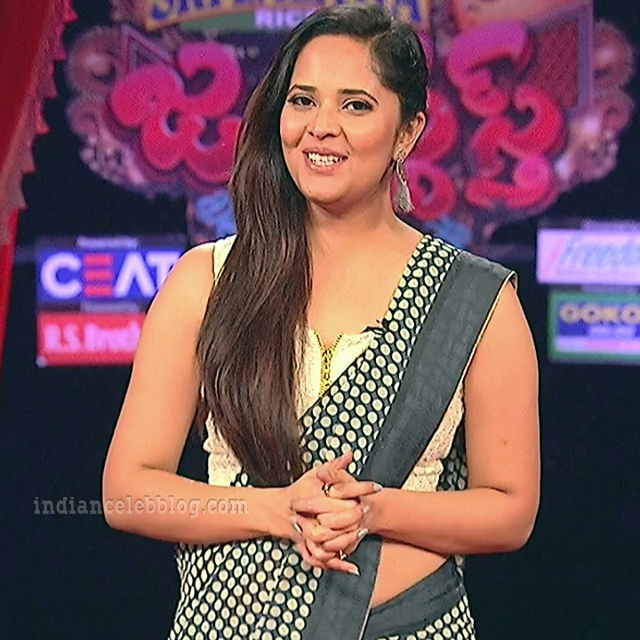 Anasuya teleugu TV anchor Reality show 1 hot saree pic