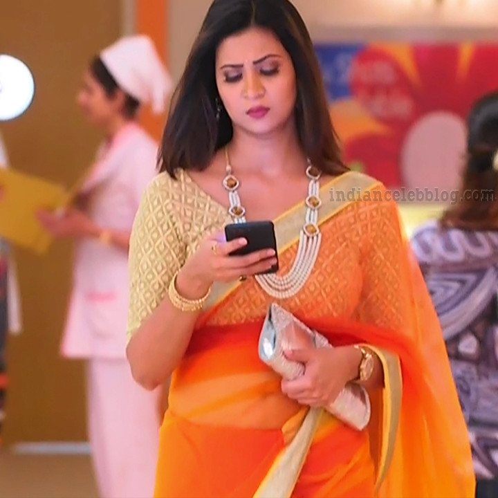 Parineeta borthakur bepannah serial actress S2 11 sari photo