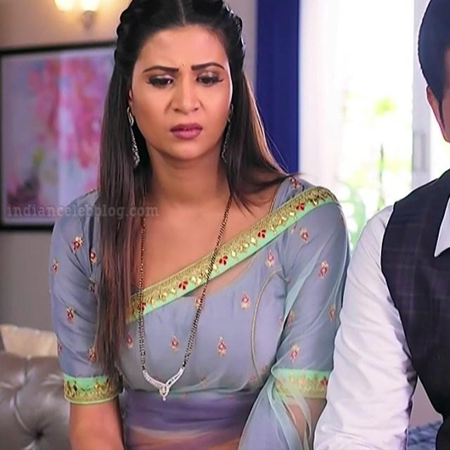 Parineeta borthakur bepannah tv actress S2 4 saree photo