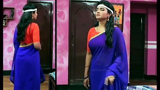 Sharanya turadi nenjam marppathillai actress S1 11 sari pics