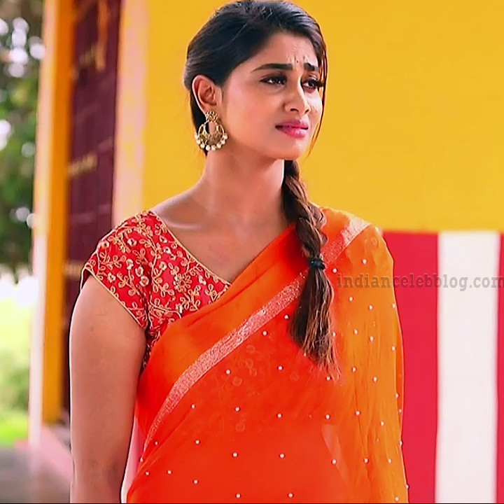 Shivani pagal nilavu S1 11 tamil tv serial actress sari photo