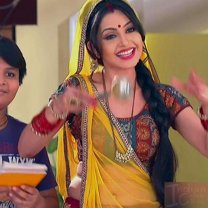 Shubhagi atre hindi serial Bhabhiji ghar 11 hot saree photo
