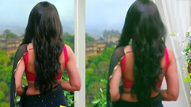 Surbhi-jyoti-naagin-s4-serial-4-hot-saree-pics