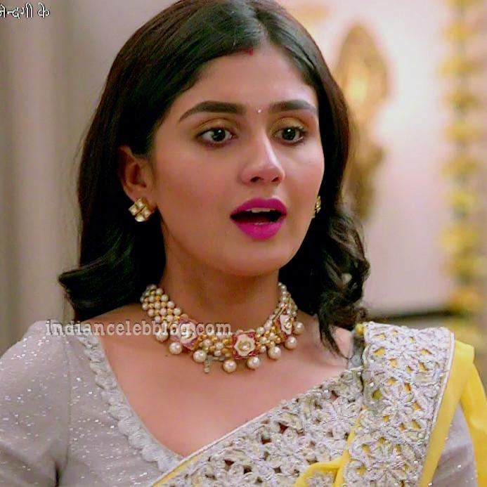 Antara banerjee hindi tv actress kasauti ZKS1 9 hot saree photo