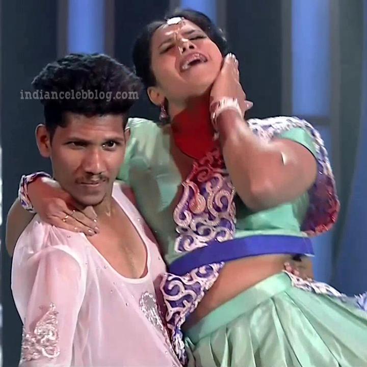 Bhavana Telugu TV anchor rangasthalam dance S1 19 hot pic