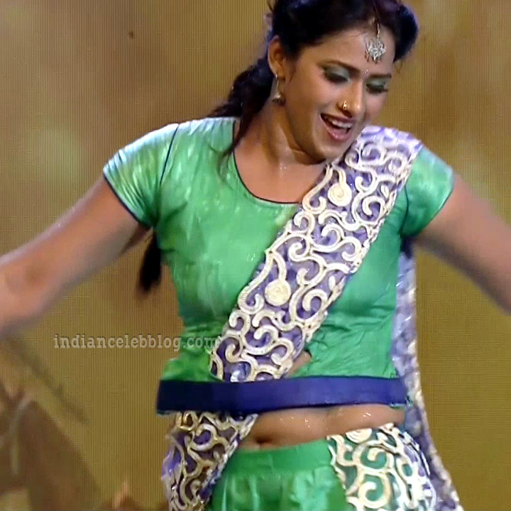 Bhavana Telugu TV anchor rangasthalam dance S1 22 hot pic