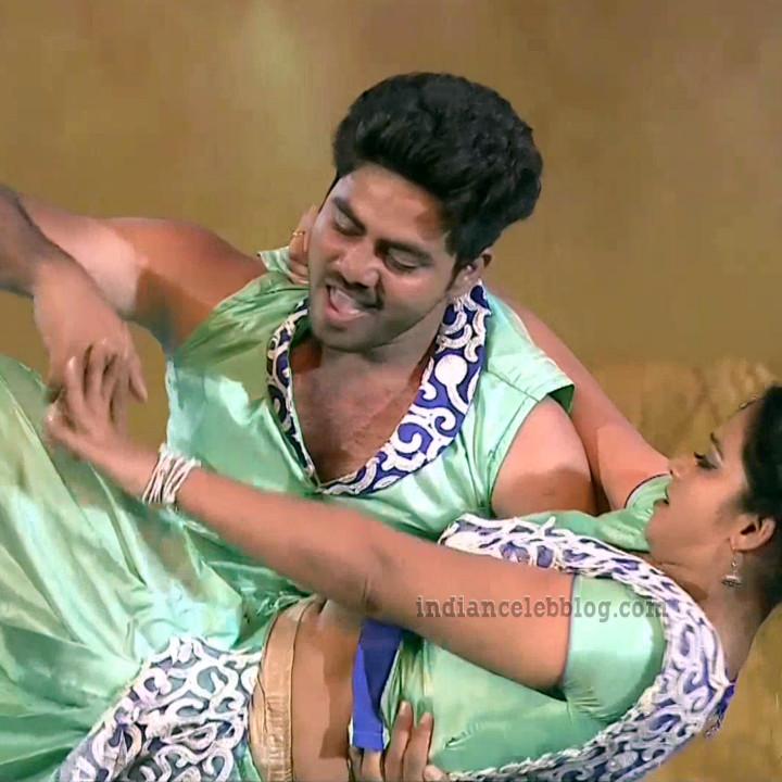 Bhavana Telugu TV anchor reality dance S1 25 hot navel pic