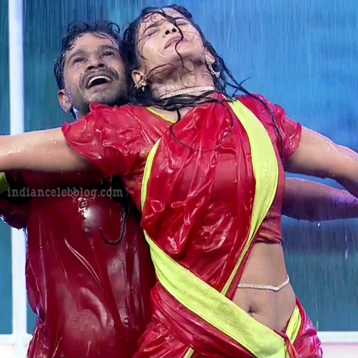 Bhavana Telugu TV anchor reality dance S1 3 hot navel pic