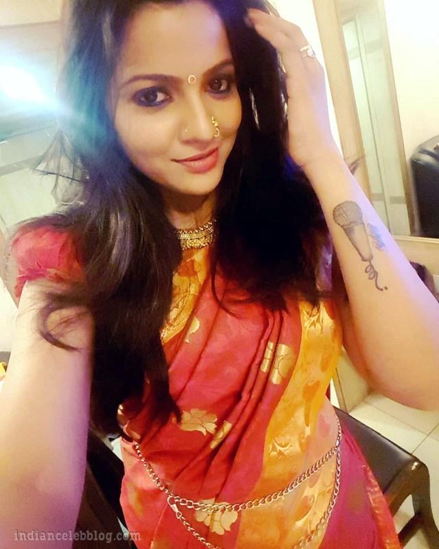 Chithra VJ tamil tv celeb CTS1 12 hot saree pic
