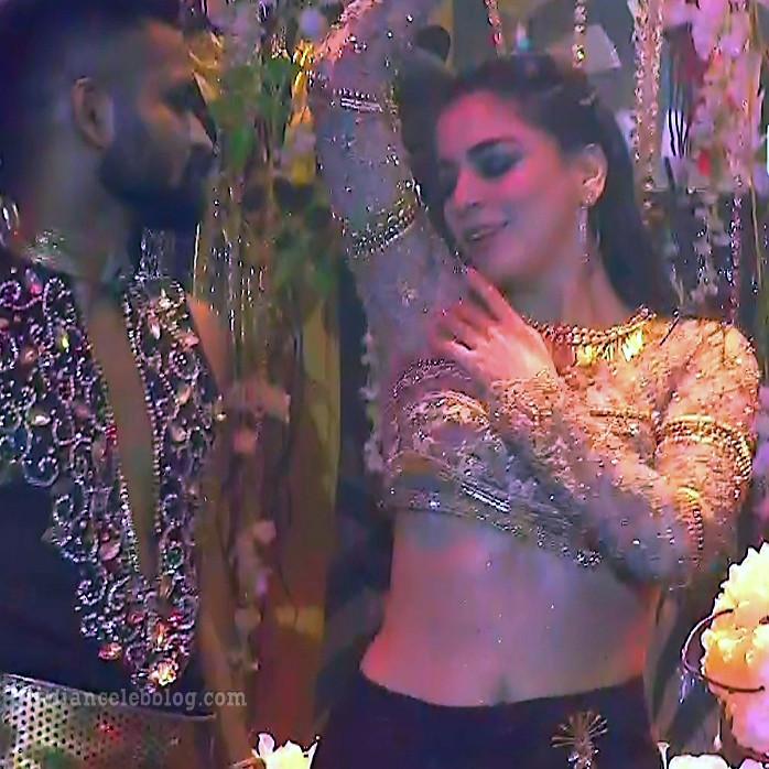 Shraddha arya zee rishtey awards hot dance s1 43 pics_phatch