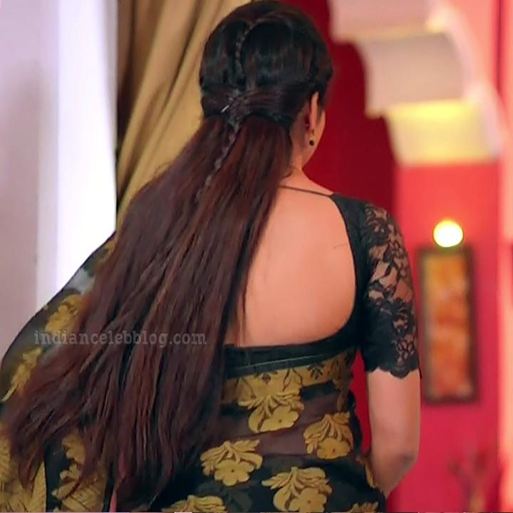 Nithya Ram Nandhini tv serial actress S2 2 hot saree photo