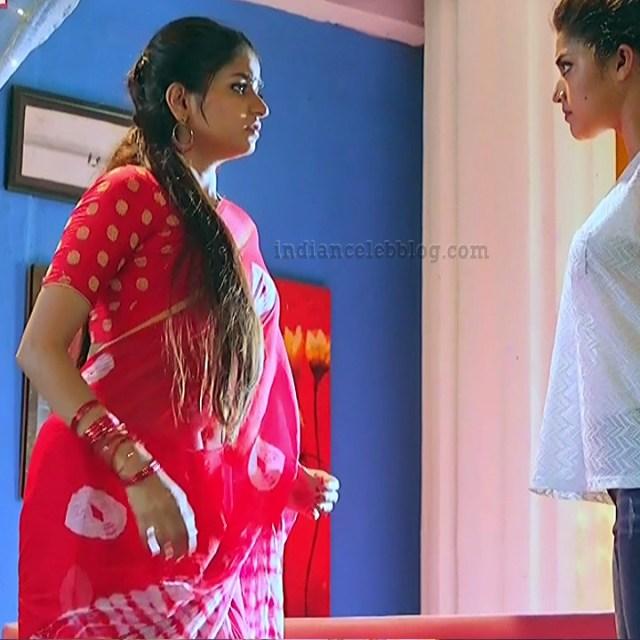 Nithya Ram Nandhini tv serial actress S2 4 hot saree photo