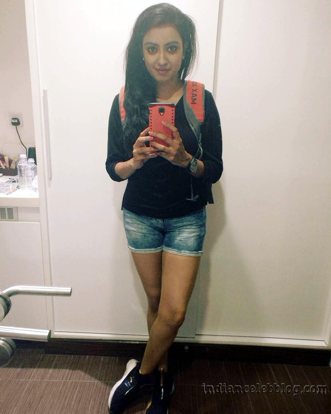 Nisha krishnan Tamil tv actress CTS1 7 hot pic