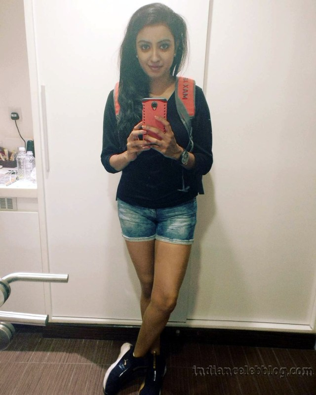 Nisha krishnan Tamil tv actress CTS1 7 hot pic