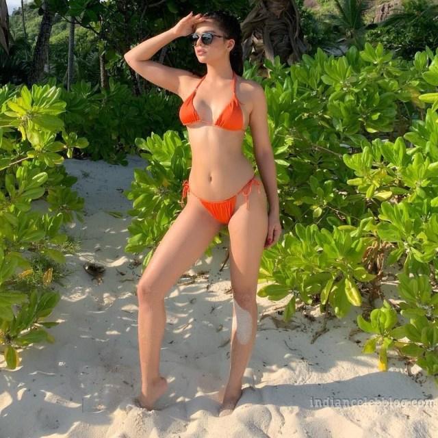 Ruhi singh CT S1 3 hot bikini photo