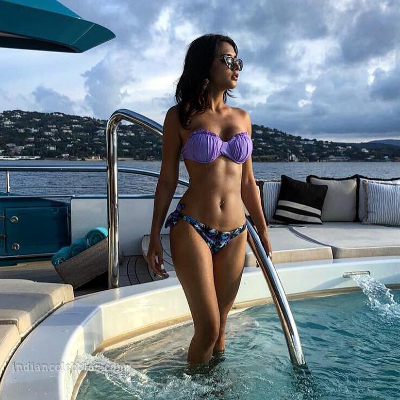 Ruhi singh CT S1 7 hot bikini photo