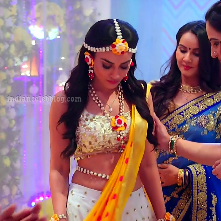 Surbhi jyoti Naagin 3 tv serial S9 7 hot photo