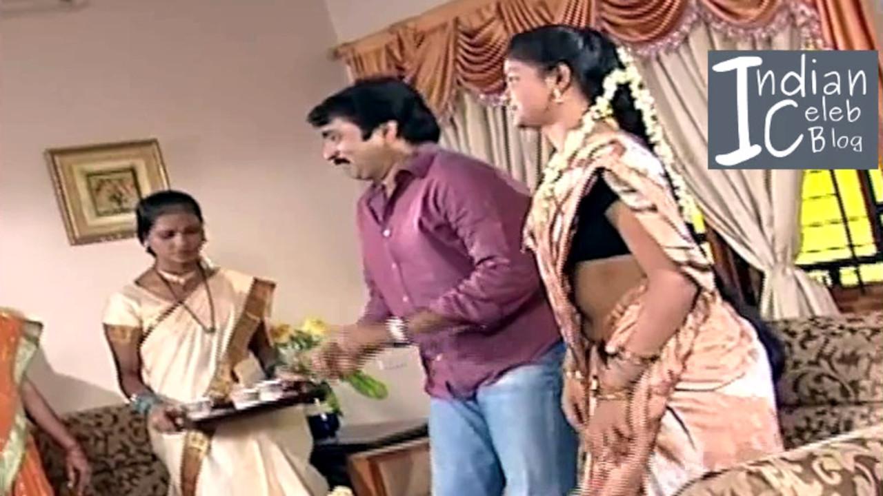Amrita gowri telugu tv actress saree navel show  - Video