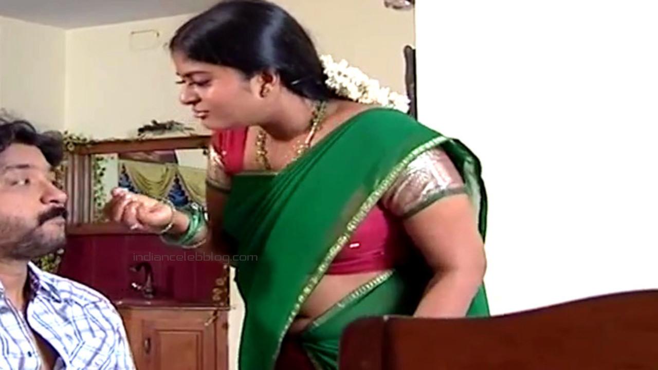 Neepa tamil tv actress hot saree navel show Video