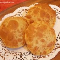 Poori (Deep-fried and Puffed Wheat Bread)