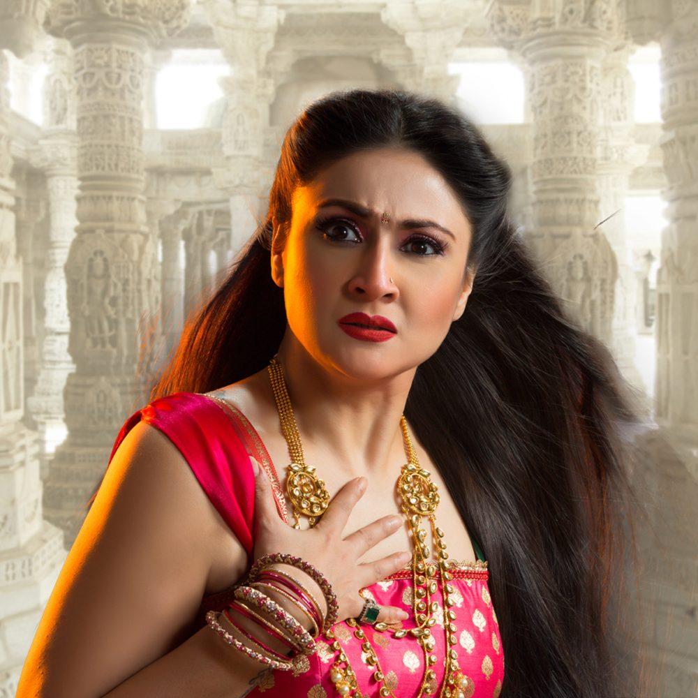 Watch Urvashi Dholakia video