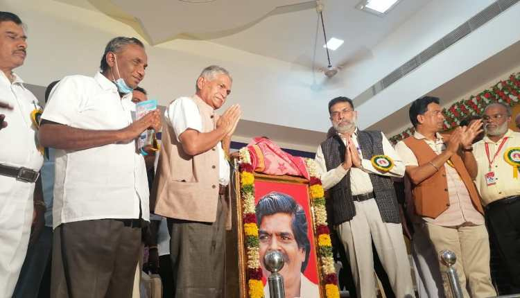 Postal stamp on the name of Ravindra Doss released by minister I&PR2