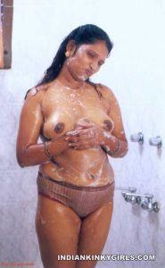 indian girls nude bathing