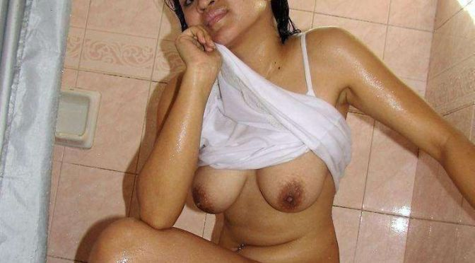 Indian Girls Nude Bathing Pictures Hottest