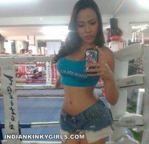 fit-sexy-indian-gf-instagram-selfies