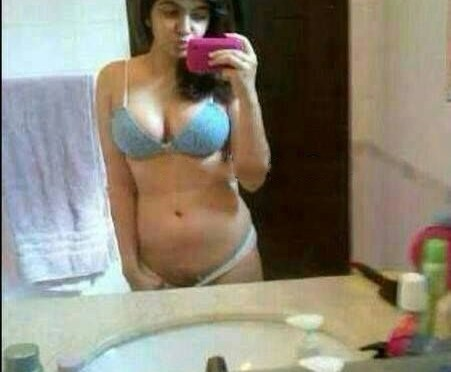 Sexy Indian Girls Nude Selfies Leaked By Her Bf