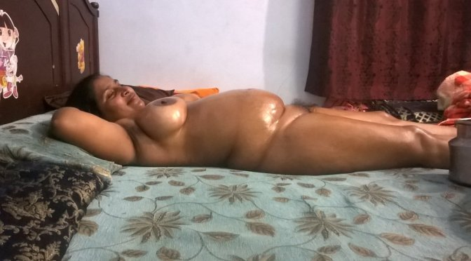 Chubby Gujju Bhabhi Nude In Home Exposing Big Assets