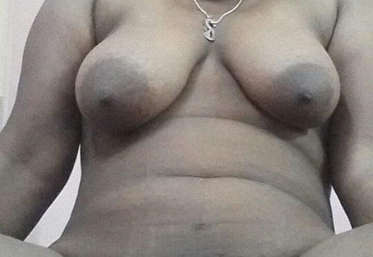 Horny Chennai Aunty Nude Exposing Big Boobs And Pussy