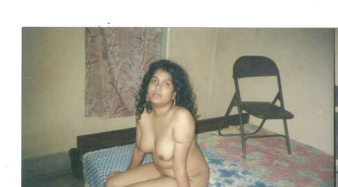 Nude Indian Wife in Bed Showing her Sexy Boobs and Pussy