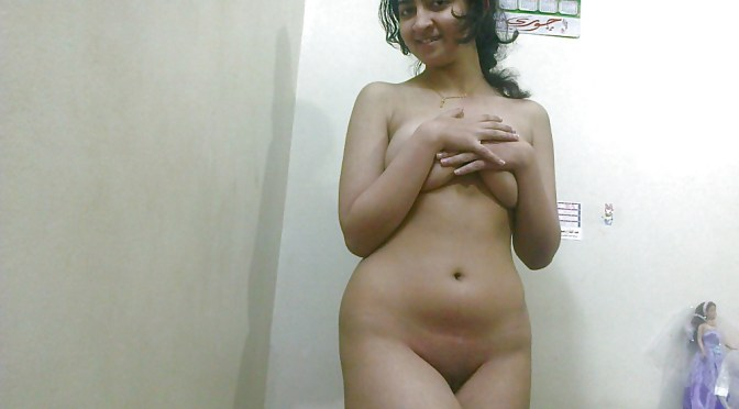 Insanely Beautiful Delhi Girl Sarita Nude Photos Leaked