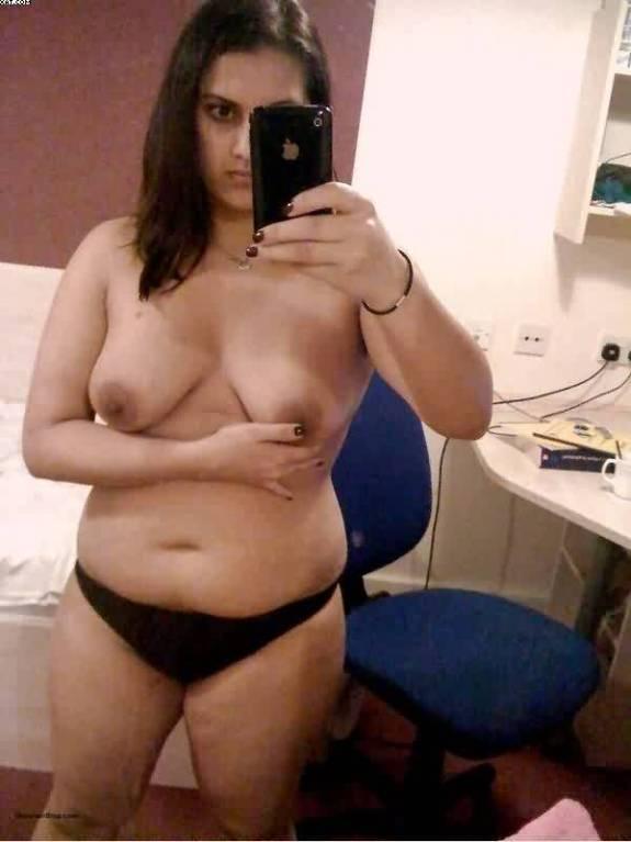 beautiful indian desi wife taking nude selfies on trip 005