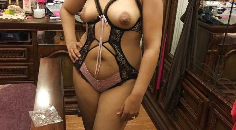 sexy desi wife payal showing her sexy lingerie pics