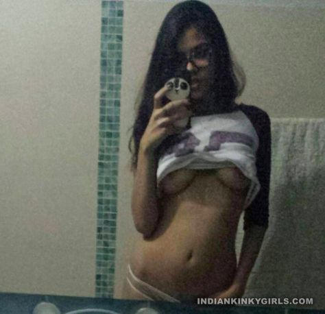 sexy indian teen neetu complete nude selfies 003