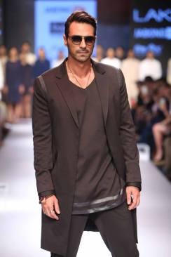 02_IMM_Indian_Male_Models_Bugatti