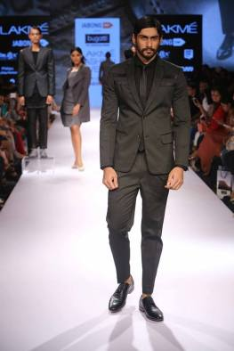 08_IMM_Indian_Male_Models_Bugatti