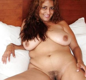 aunty ki boobs ass and hairy pussy