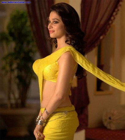 Tamannaah-Bhatia_hot_in_yellow_saree