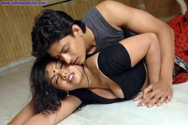 tamil-masala-movie-drogam-nadanthathu-enna-hot-stills-73_650