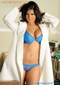 Sexy Pics Sunny Leone flashes as doctor in blue hot lingerie
