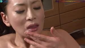 चूत में पेजकस और औजार गुसेड़ते हुए नंगे फोटो Full HD Nude Porn Images Masturbates with sex toys Japanese hottie with oiled body Rei Kitajima gets her holes toyed Full HD Porn (27)